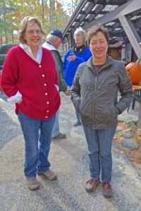 Jackie and Lorraine, our host at Sunset Lodge for bulb planting